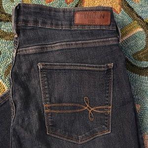 Levi's denizen jeans size 10.